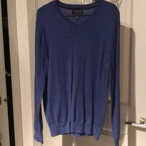 NWOT! *MENS* BANANA REPUBLIC V-NECK SWEATER